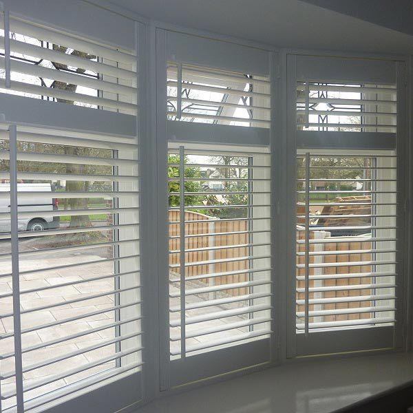 Wooden Venetian blinds bay window … | Blinds for windows living .