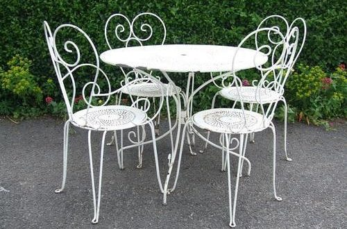 Characteristics of Wrought Iron Furniture - Decorifus