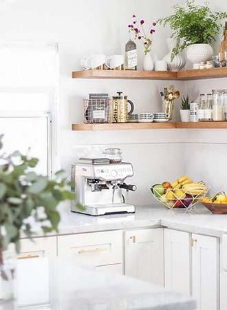 Open shelves kitchen decor and organization tips