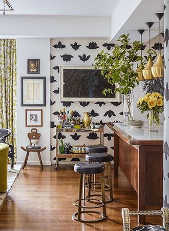Interior design spring trends modern floral prints