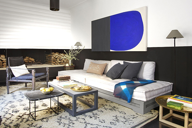 Black-blue-white interior design color combinations