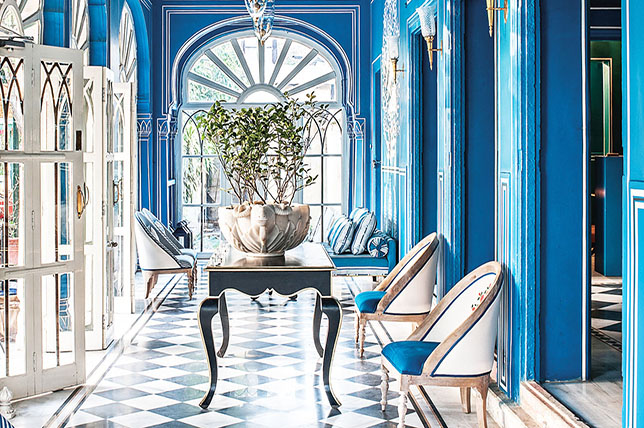 Color combinations for the interior in blue and white