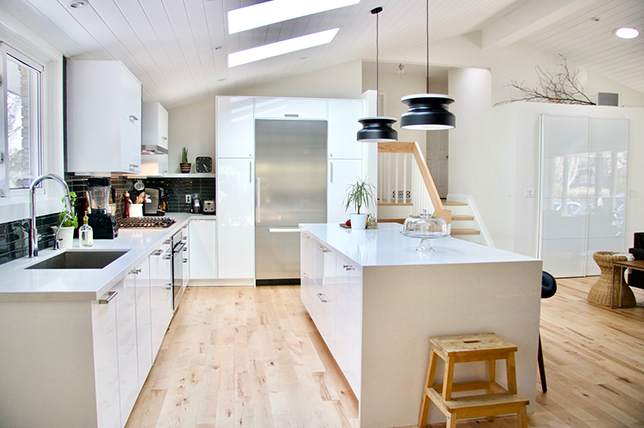 mid century white modern kitchen