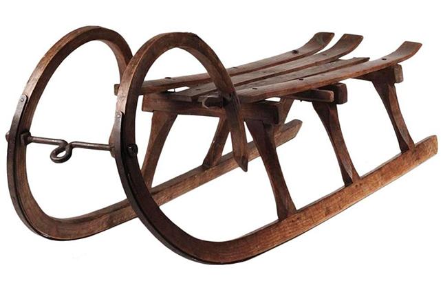 Winterhaus Essentials antique sleigh