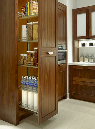 Pull out Pantry Kitchen Decor and Organizing Tips