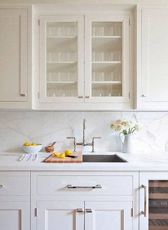 Glass cabinets kitchen decor and organization tips