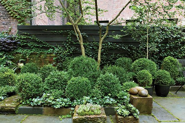 Storage of small garden ideas