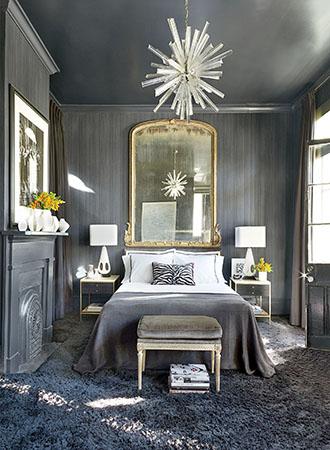 Statement-making-bedroom-wall-art-ideas
