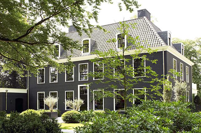 modern black house exterior colors