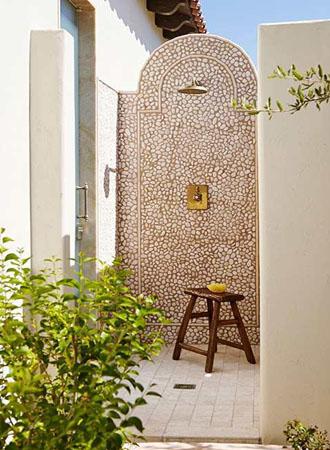 Spa like outdoor shower ideas