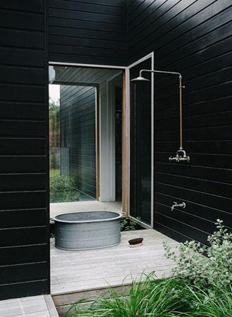 nice outside shower ideas
