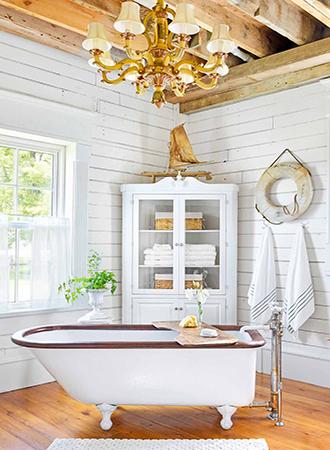 claw-foot tub rustic bathroom ideas