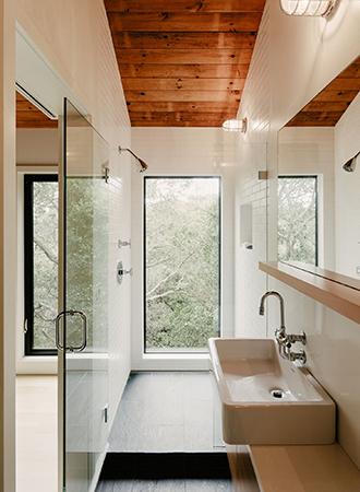 rustic bathroom ideas ceiling