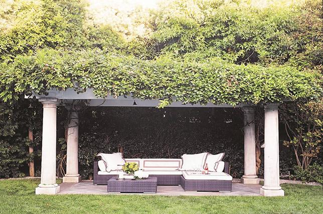 gorgeous little backyard ideas