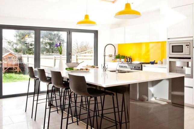 Breakfast nook kitchen island