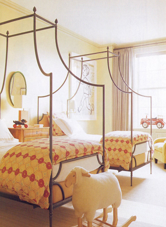 cenopy bed girl room decor trends 2019
