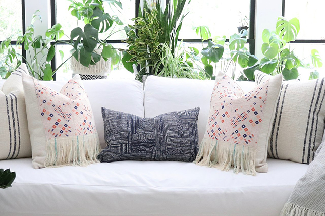 decorative pillows with fringes 2019