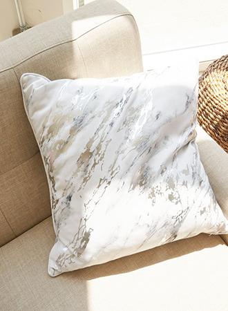 metallic decorative pillows 2019