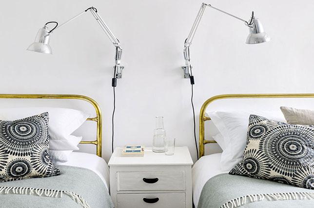 bright small bedroom decorating ideas