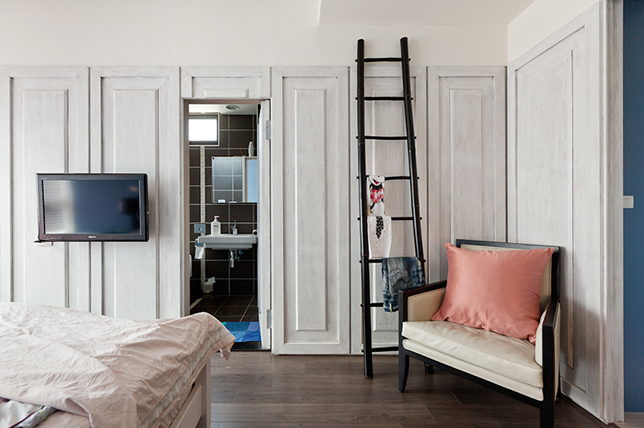 small bedroom decoration solutions