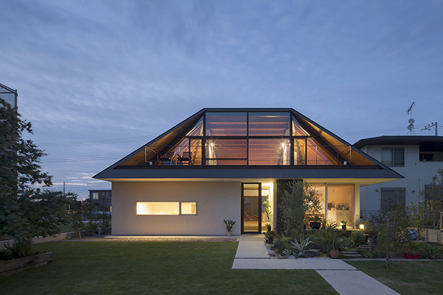 Hip roof types