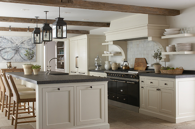 traditional-english-kitchen-renovation-trend-2019