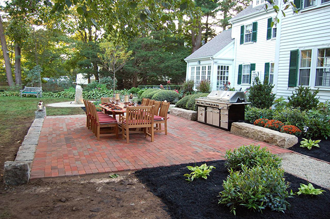 traditional brick backyard patio ideas