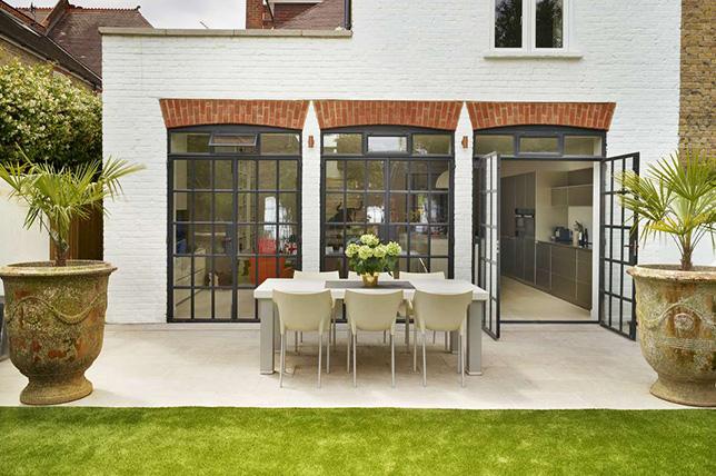informal backyard patio ideas