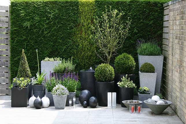 Outdoor summer decor ideas planter group