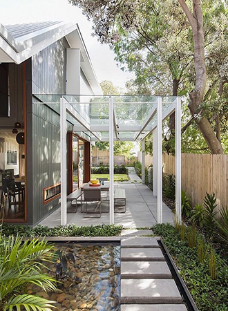 Outdoor summer decor ideas glass pergola