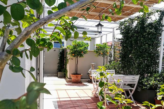 Outdoor summer decor ideas Classic pergola