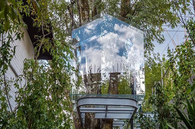 Outdoor summer decor ideas glass tree house