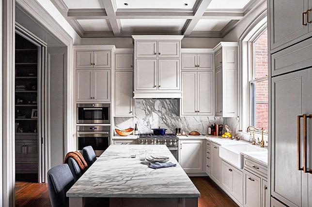 Transitional style kitchen