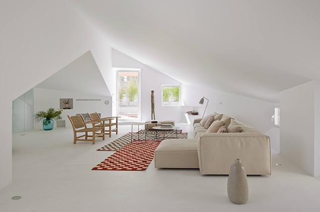 Minimalist interior design accessories