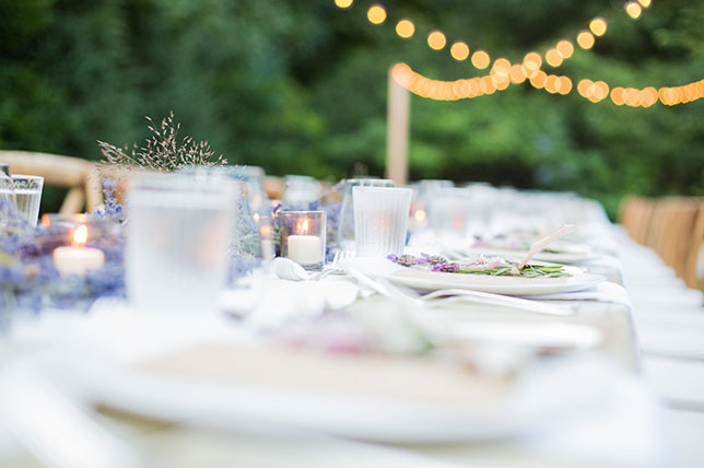 Table setting summer party ideas guide