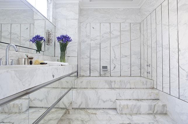 Material ideas for bathtub renovation