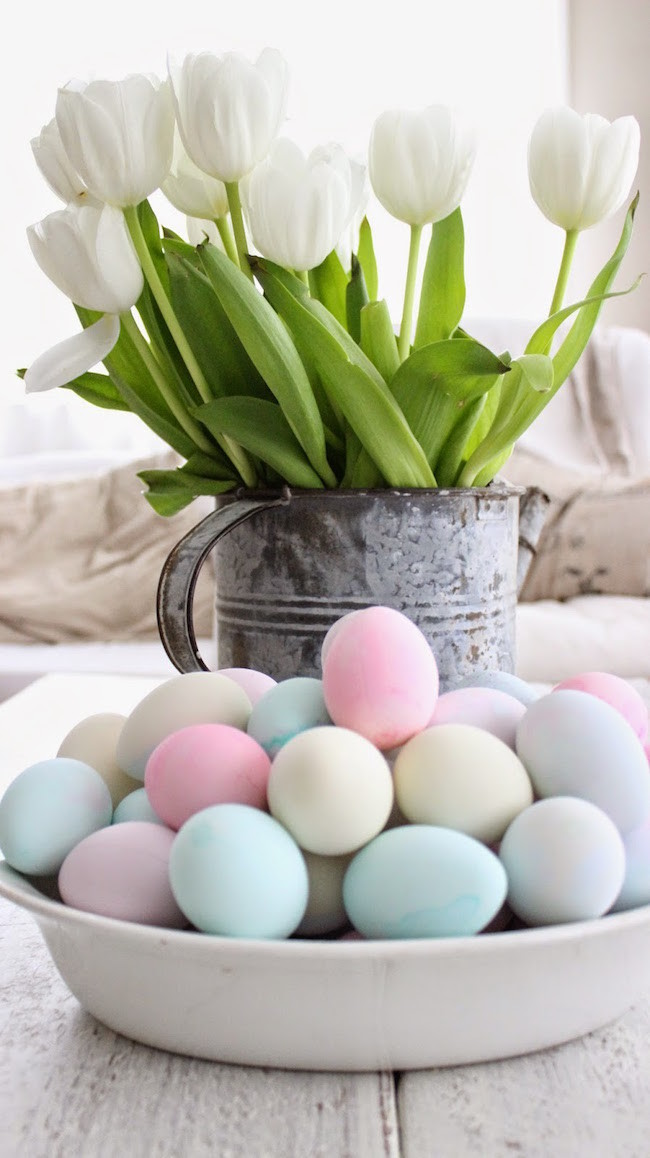 Tulips in the watering can can make Easter eggs