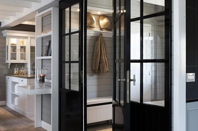 dark decorative and door interior design trend