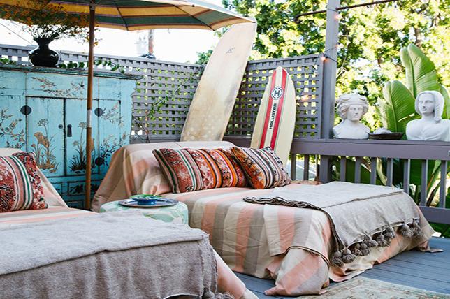 versatile backyard decor advice