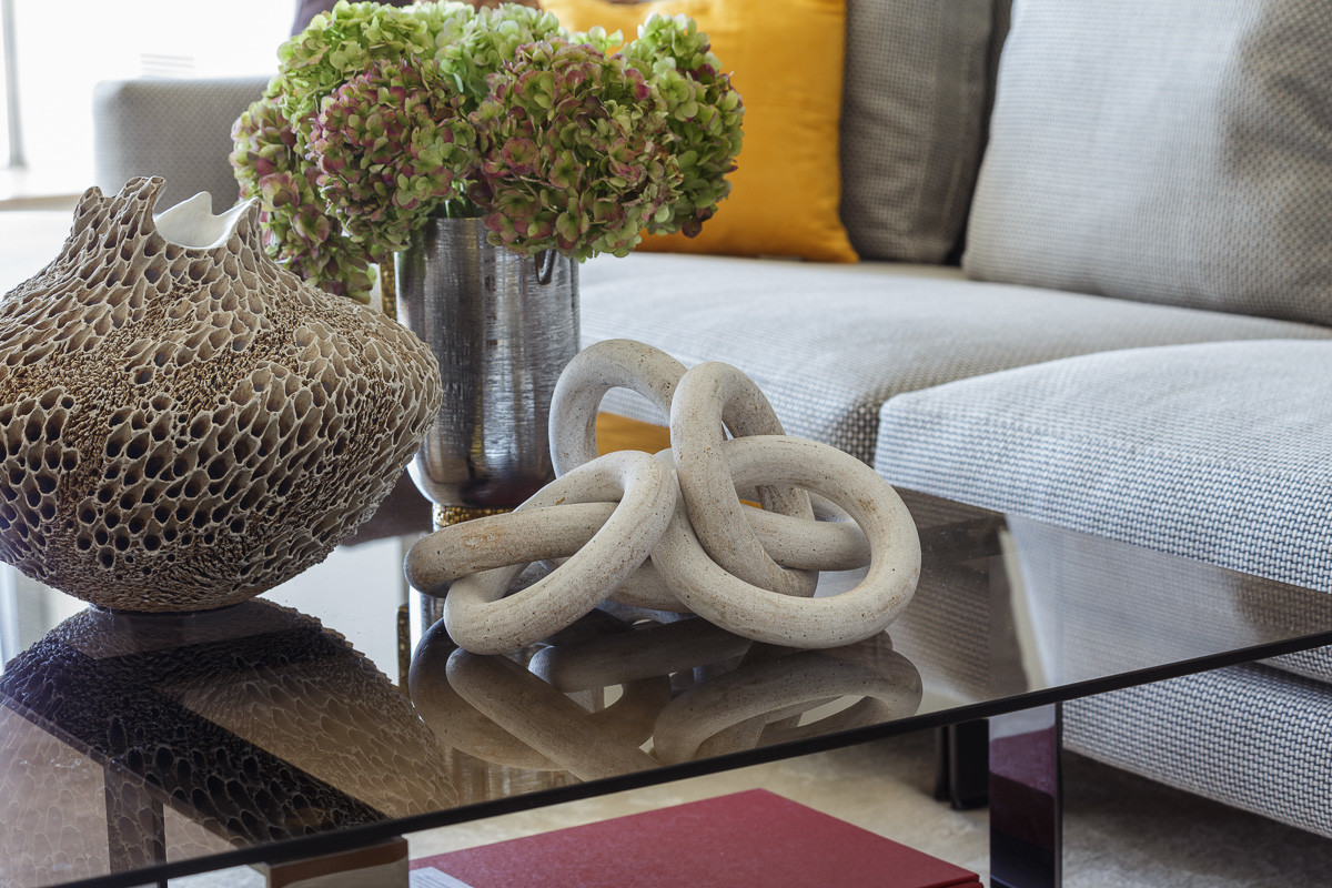 how to style a coffee table with natural objects