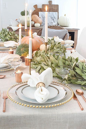 Rosey cutlery for Thanksgiving tablescape decor ideas