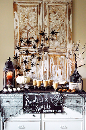 Decor Aid Halloween interior decoration trends and ideas with webs