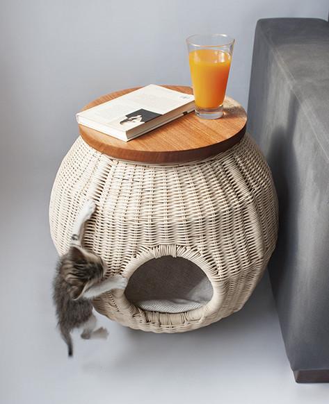 Wicker cat bed