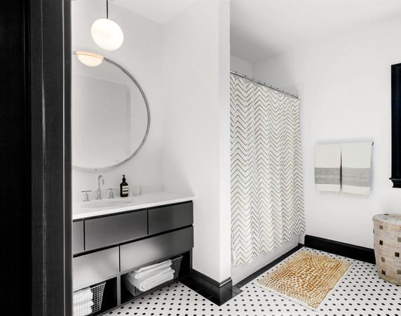 Montauk vacation home bathroom