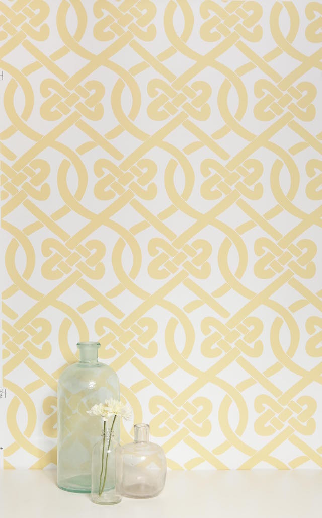 yellow and white knotted print wallpaper