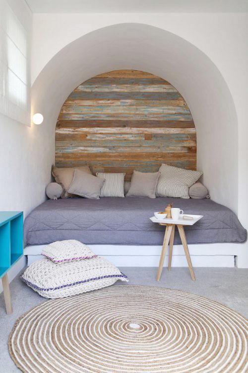 Reclaimed wooden niche reading corner