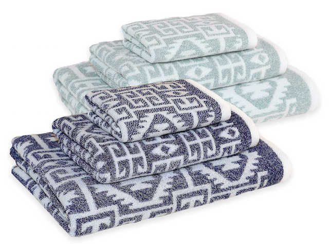 blue patterned towel set