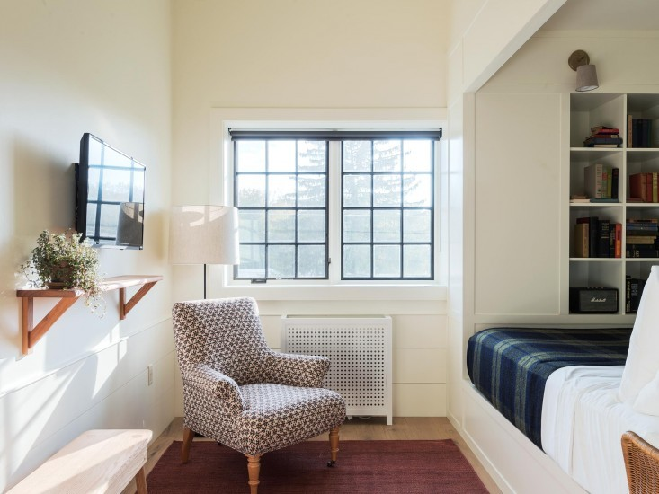Hudson New York Rivertown Lodge Guest room
