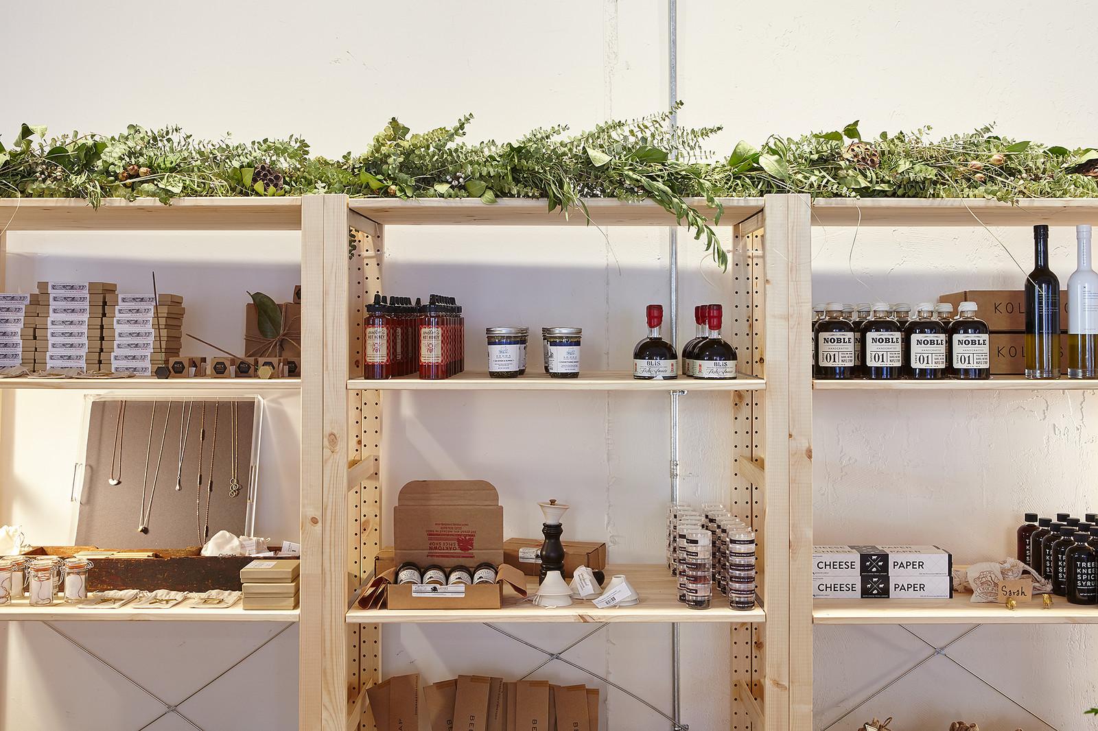 Store design shelf display