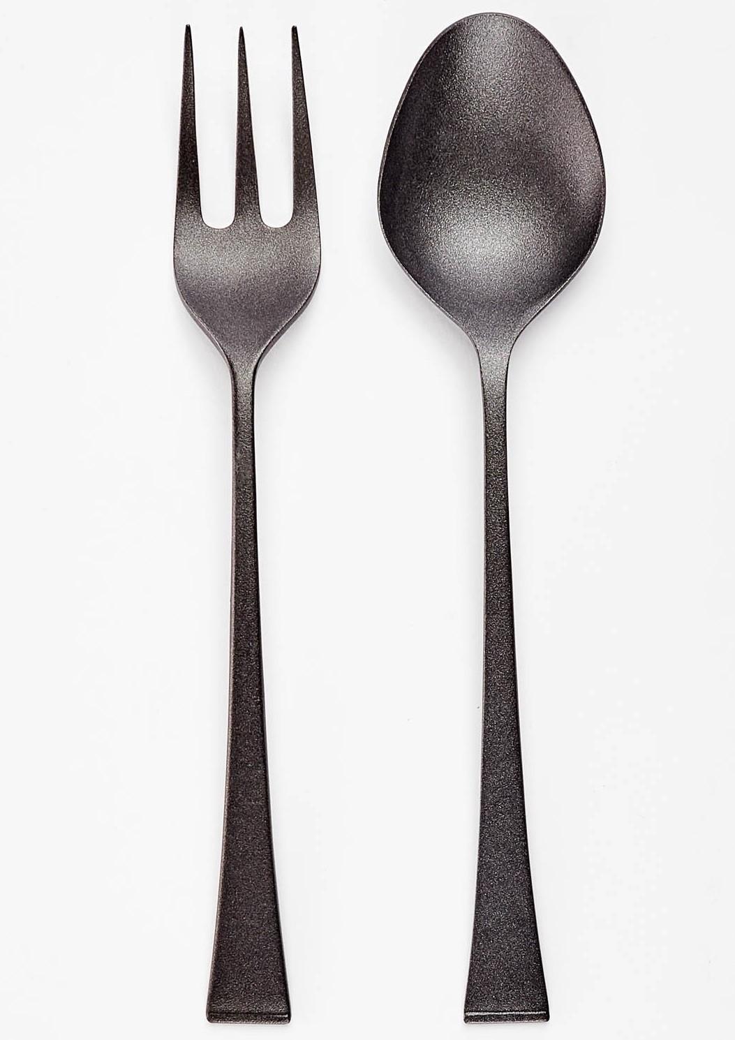 black serving utensils